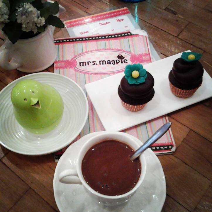 Hot Chocolate and Cupcakes at Mrs Magpie