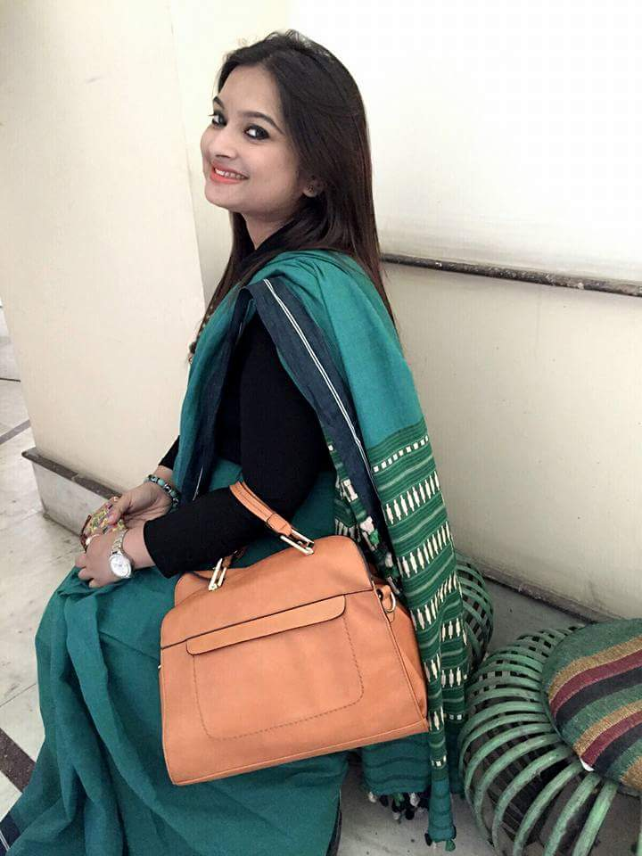 Saree: Byloom | Bag: Paprika | Watch: Giordano